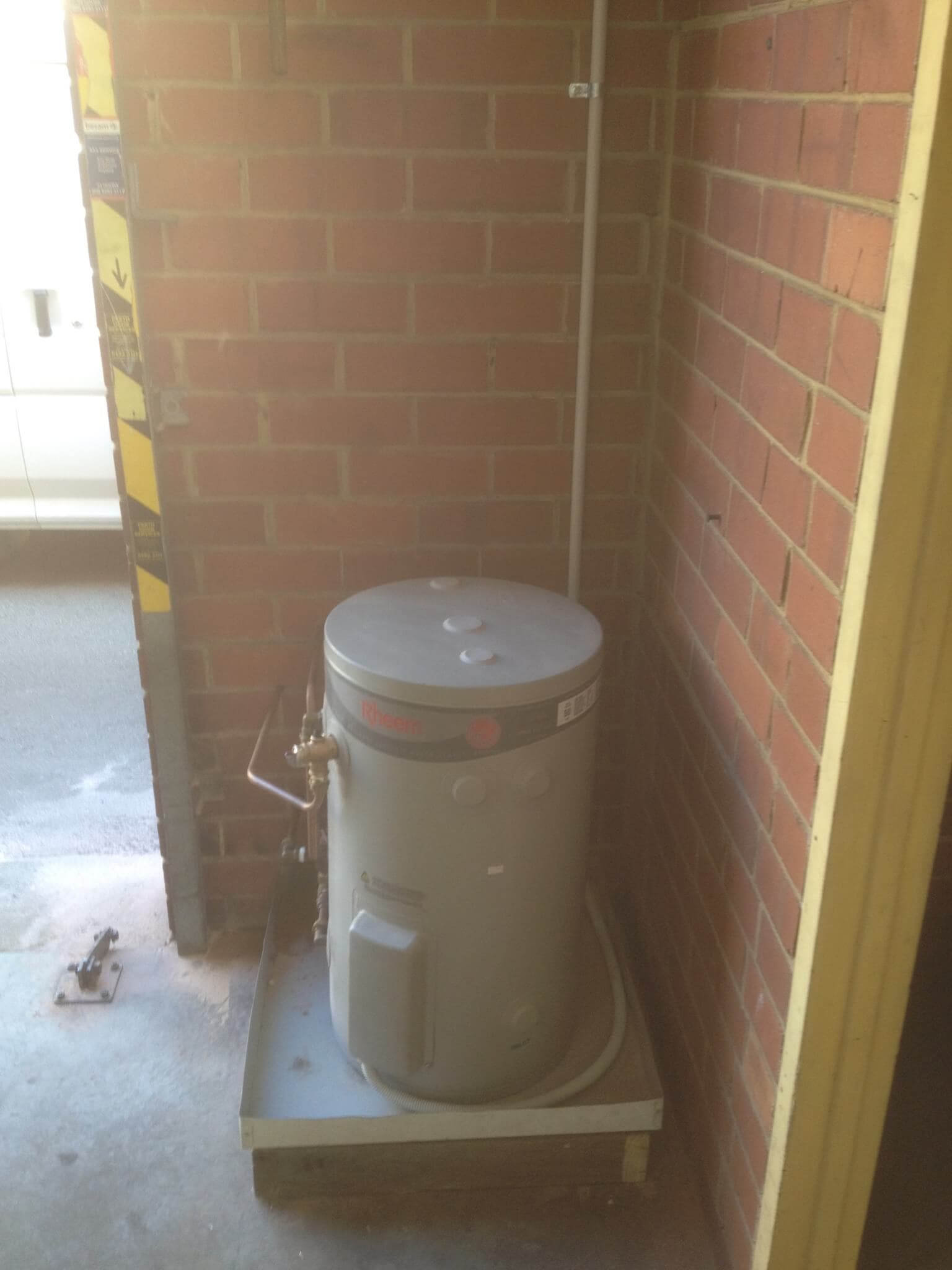 Everyday Plumbers Residential Hotwater Services - Machine Setup with Platform