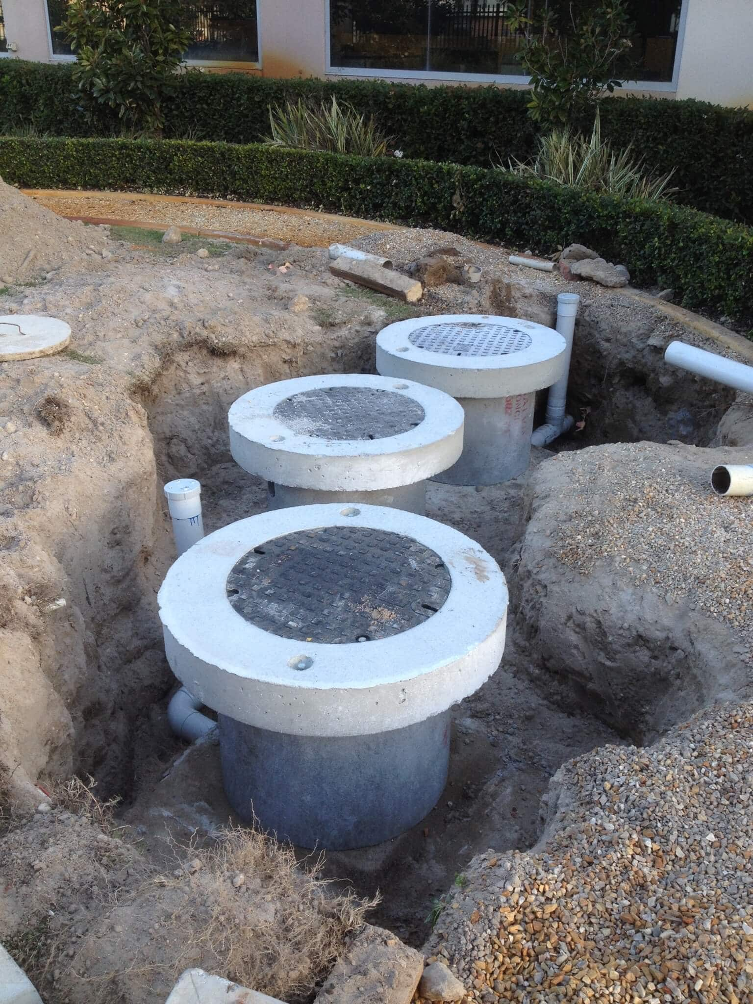 Everyday Plumbers Commercial Plumbing Services - Strata Plumbing Septics and Leach Drains 2149