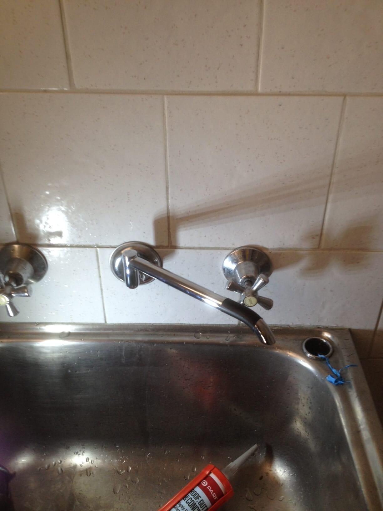 Everyday Plumbers Leaking Tap Repairs - Movable Faucet in Combination Water Source Repair 2306
