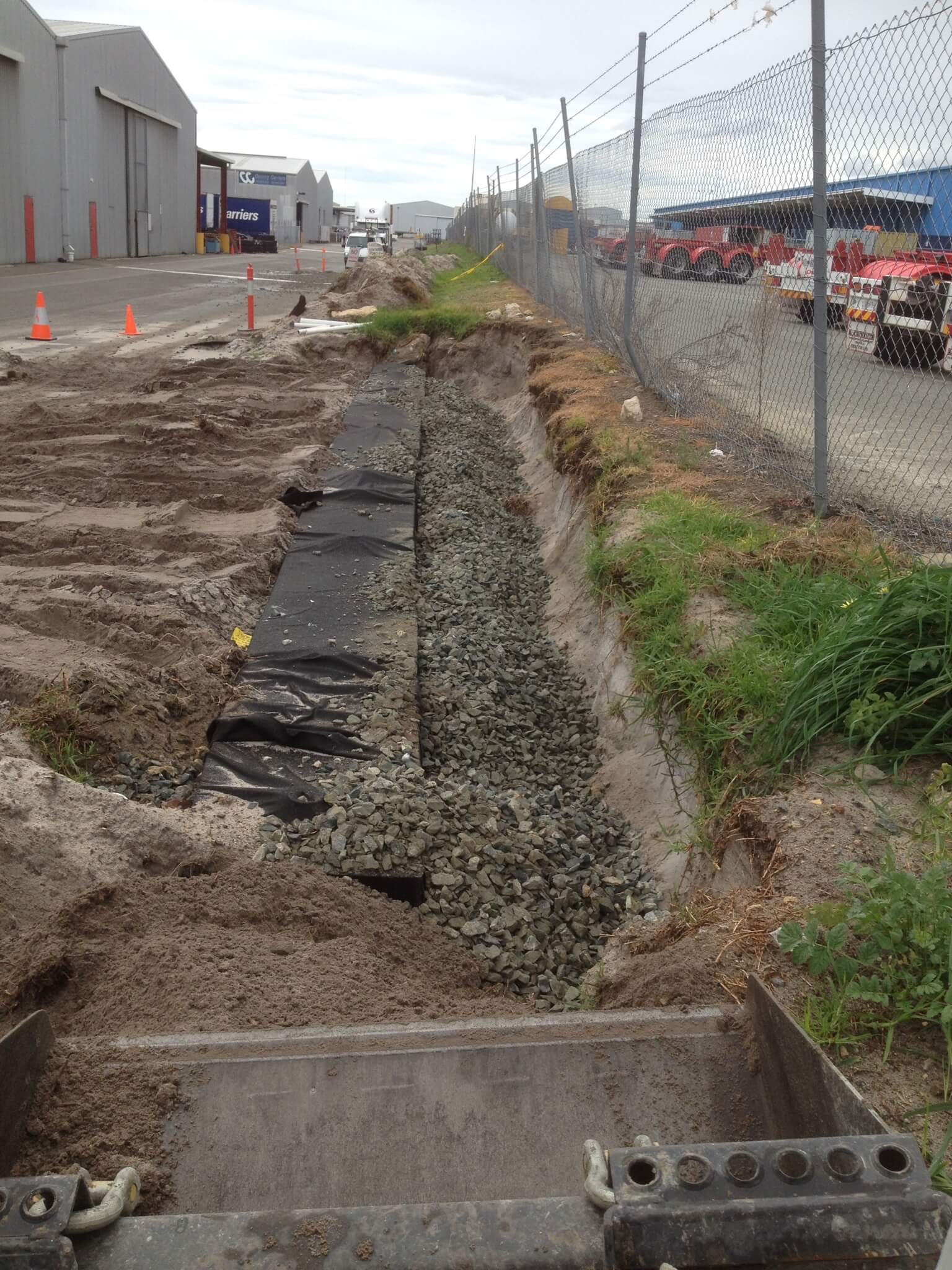 Everyday Plumbers Residential New Leach Drain Backfilling - Putting Gravel 2176
